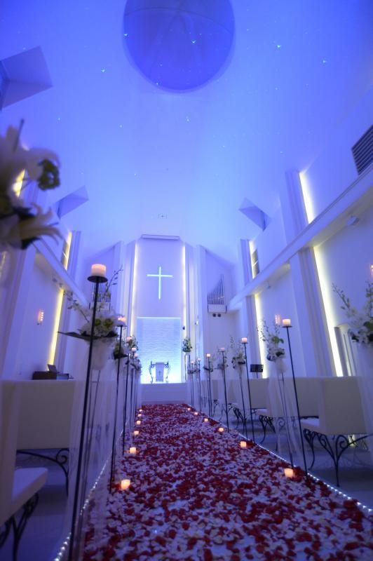 二人の華やかな挙式を提案するSt. マリア・モンティ教会