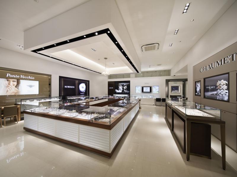 約50ブランドの「婚約指輪&結婚指輪」を一度に確認できる。各ブランドブースで試着しながらデザインの比較を楽しもう!!