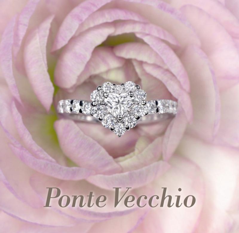 【Ponte Vecchio】ハートシェイプのダイアモンドが際立つ、華やかでかわいいエンゲージリング。