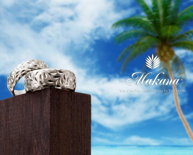 【Makana】ハワイの彫り師、イングリーバーが一つひとつ手彫りで創り上げるハワイアンジュエリー。光を受けて輝く繊細な模様がとても美しい。リング内側には精...