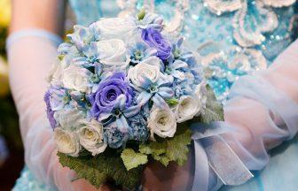 青色のウェディングドレスのイメージ